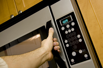 Microwave, electric oven or slow cooker – Which uses the least energy?