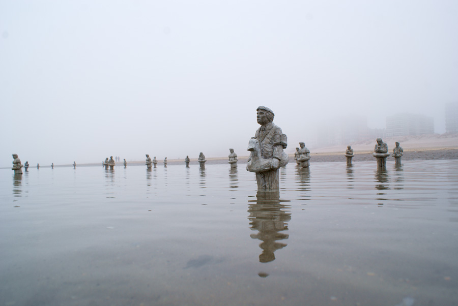 Waiting for Climate Change Beaufort04 - Isaac Cordal -  Belgium 2012