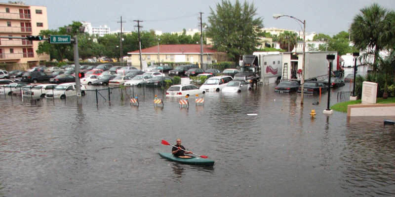South Beach flooding (photo courtesy:  Wikimedia Commons)